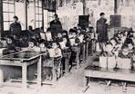 日本人成立「蕃童教育所」教育原住民。 ‧‧‧圖片來源:《台灣の蕃族研究》